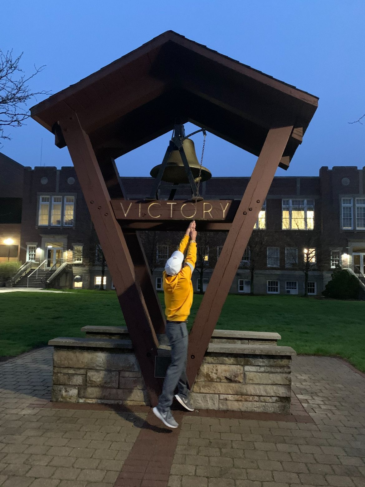 Caleb VanArragon rang the Victory Bell after his first collegiate medalist honor.