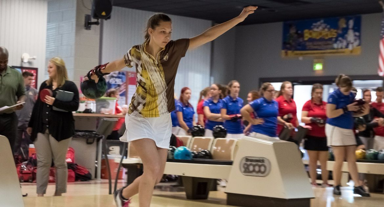 Valpo Bowling Opens Up 2016-17 Season