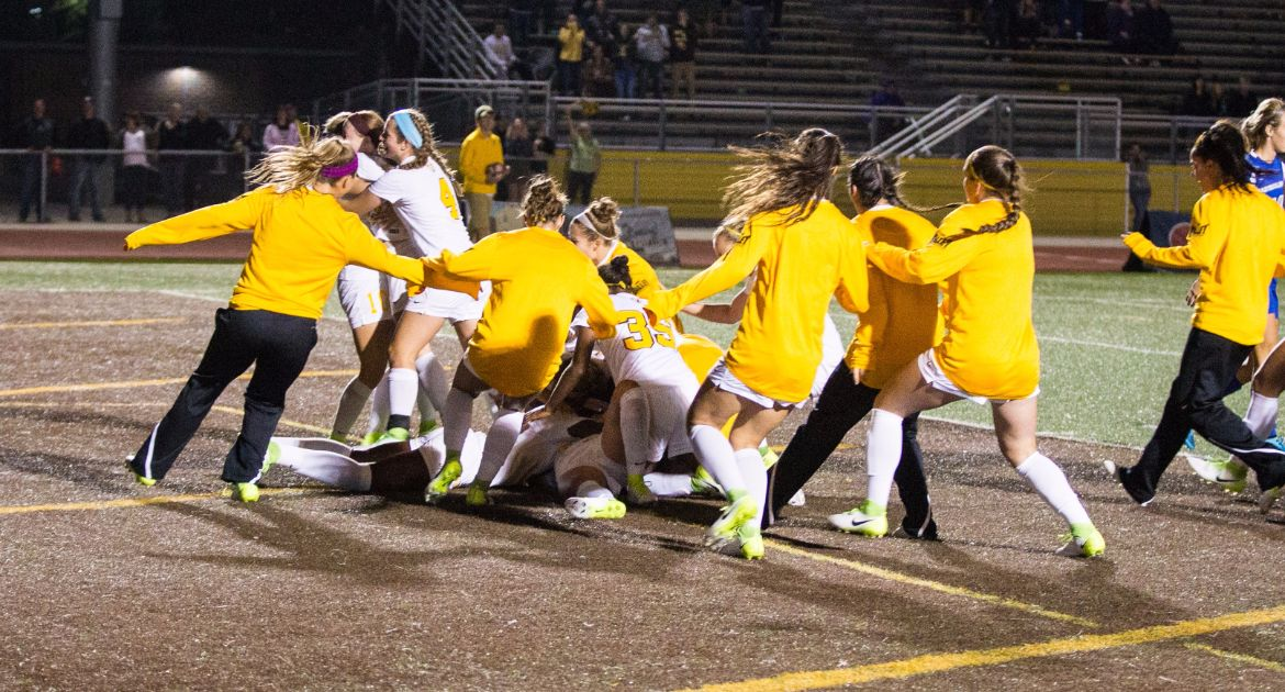 Griffith Caps Dramatic Finish For Women's Soccer Friday