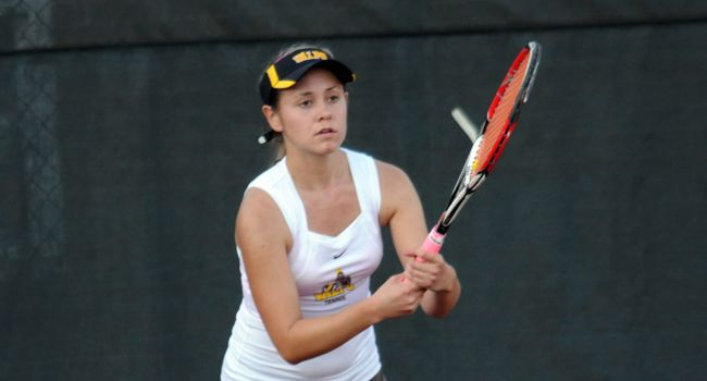 Wright State Posts 7-0 Victory over Crusader Women