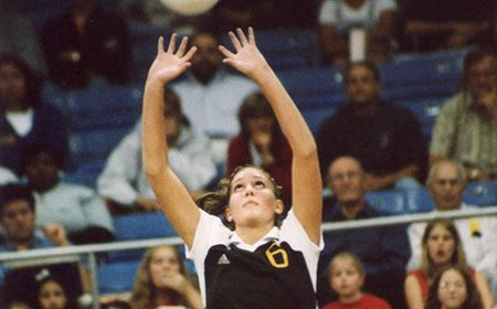 Volleyball Standout Cyndi (Norman) Kiper to be Inducted into Valpo's Hall of Fame on February 28
