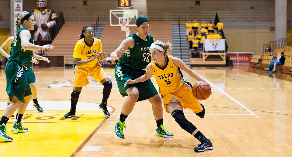 Crusader Women Drop Exhibition to UW-Parkside