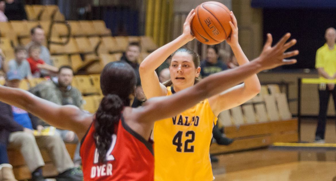 Thompson Sparks Valpo Women to Win over Cardinal Stritch