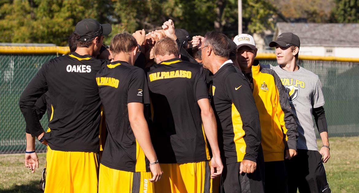 Men's Tennis Wraps Up Weekend with Wins