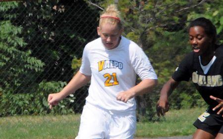 Second Half Goal Lifts Loyola Past Valpo Women