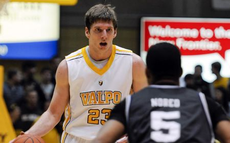 Valpo Hits Road In Search of Win #20