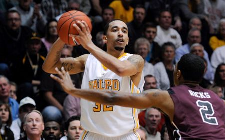 Crusaders Superb in BracketBuster Win Over Missouri State