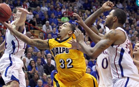 Valpo Places Seven in Double Figures In Win Over PNC