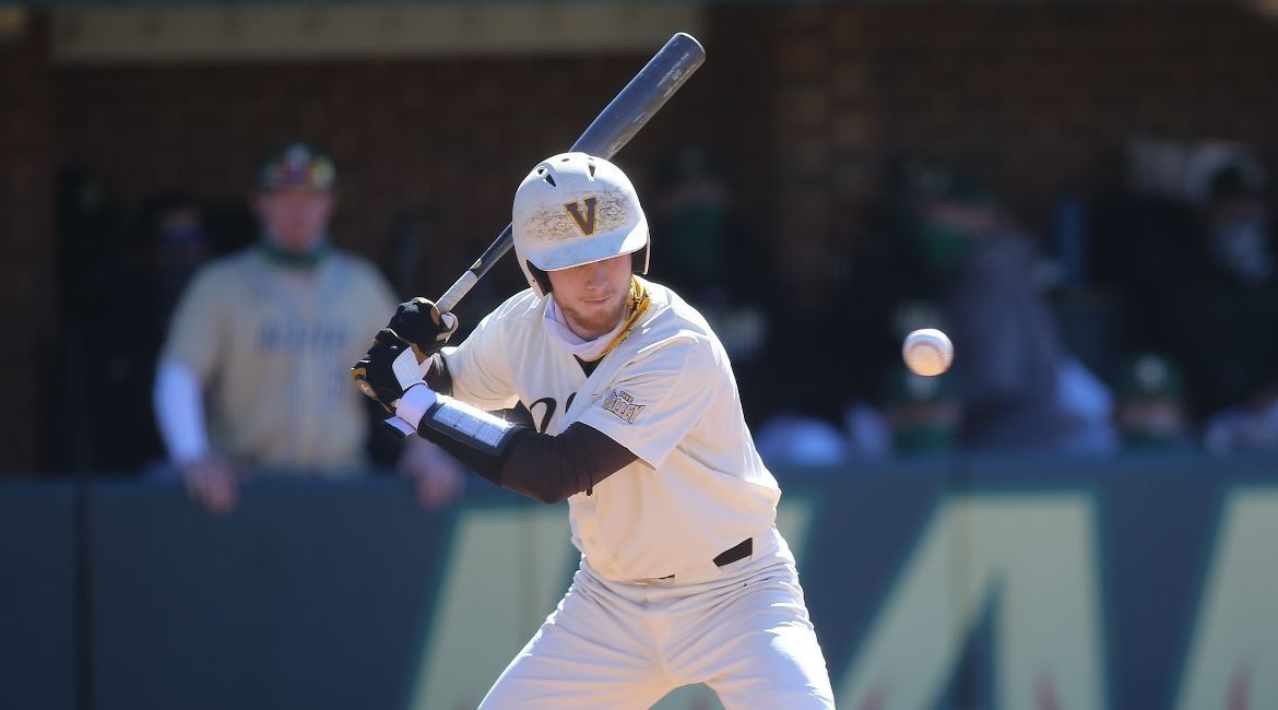 Strong Pitching Not Enough as Valpo Falls in Series Finale