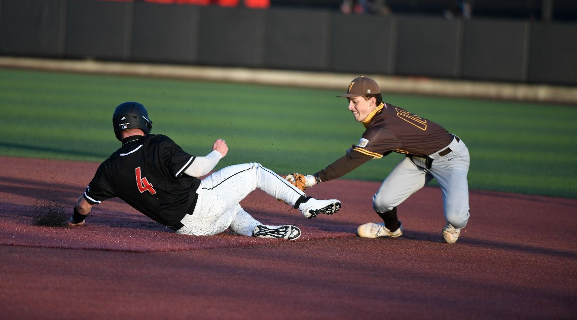 Ninth-Inning Homers Not Enough as Baseball Drops Finale