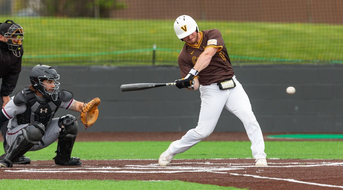 Grand Opening: Valpo Baseball Debuts New Turf with Two Walk-Off Wins