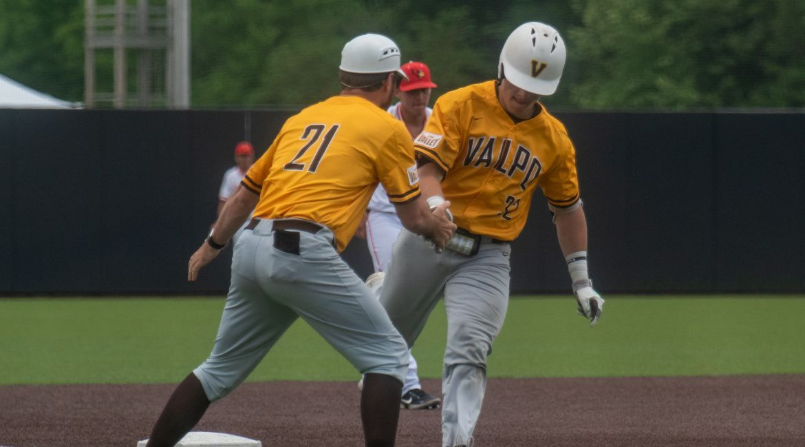 Olive Home Run Helps Valpo Rally Past Illinois State, Advance to Friday at MVC Tournament