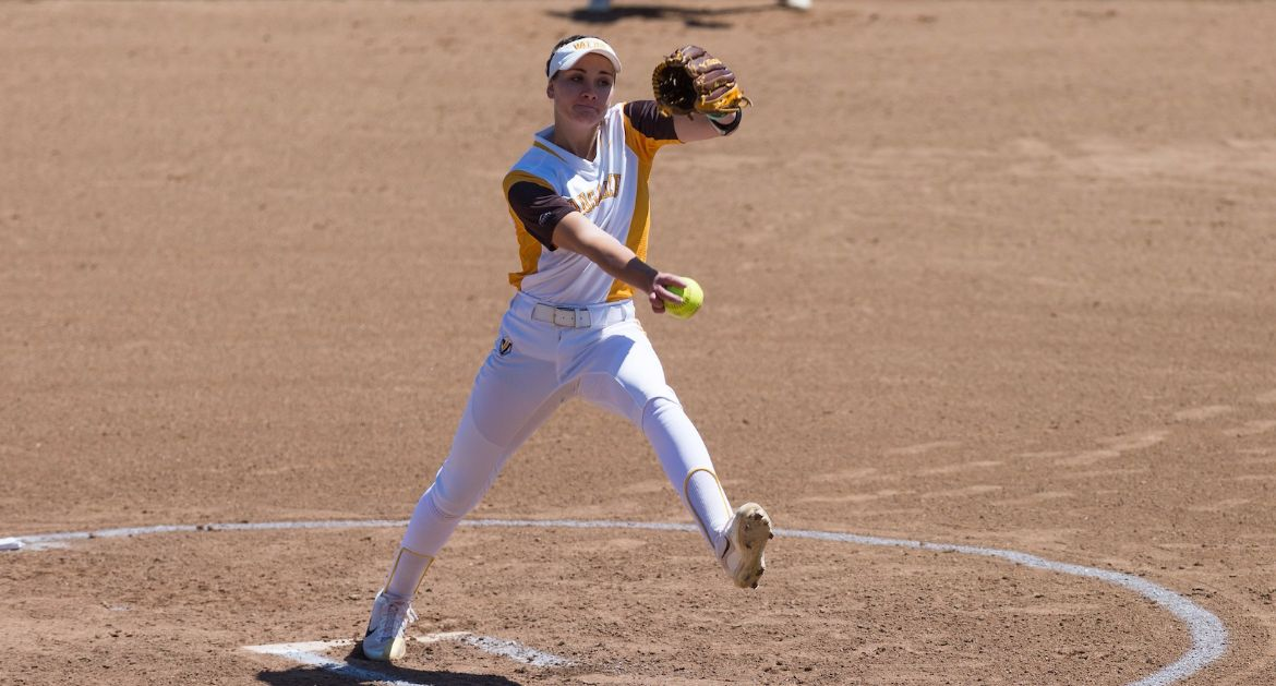 Softball Takes Two Wins To Open Up Aggie Invitational