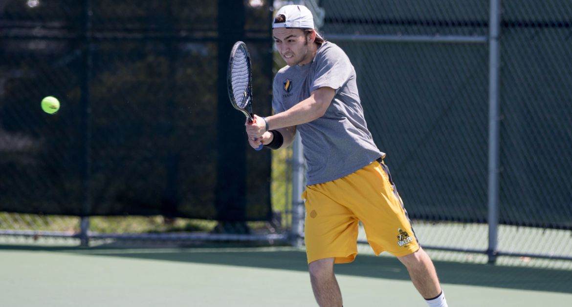 Valpo Defeats UIC 6-1 to Remain Perfect at Home