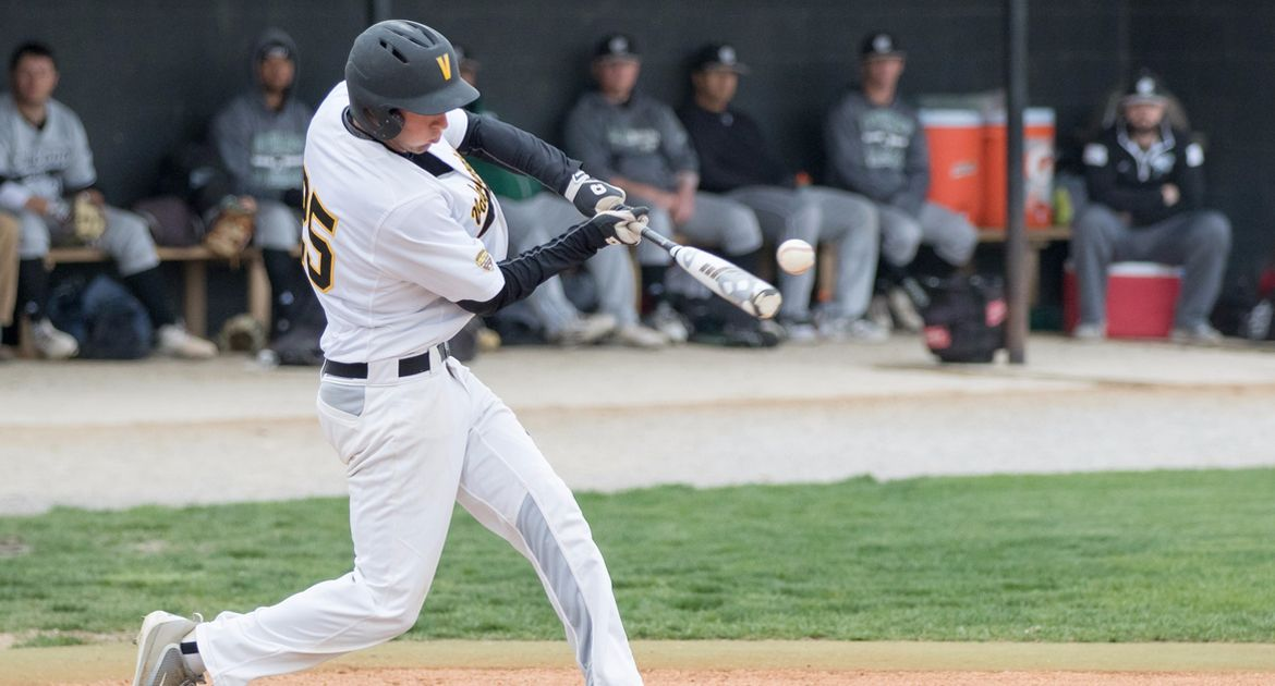 Western Kentucky Uses Walk-Off Home Run to Beat Valpo on Opening Day