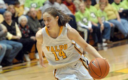 Valpo Women Upend Butler 75-65