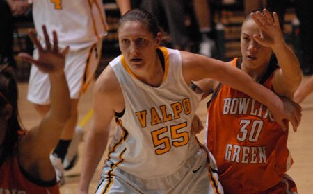 Zabielewicz Scores 20 to Lift Valpo to Overtime Victory