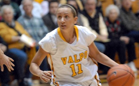 Valpo's Kulaga and Hochstetler Earn Academic All-District V Honors
