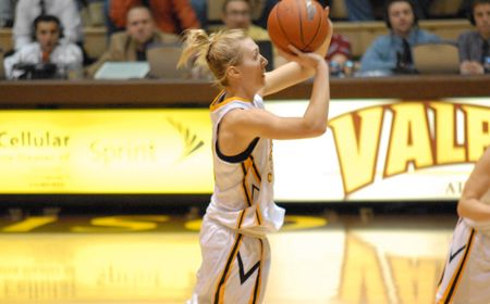 Valpo Looks to Pack the ARC Saturday against Notre Dame