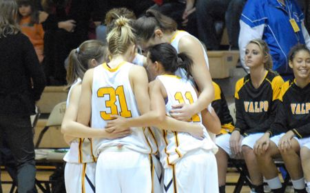 Valpo Women's Basketball Banquet to be Held April 26