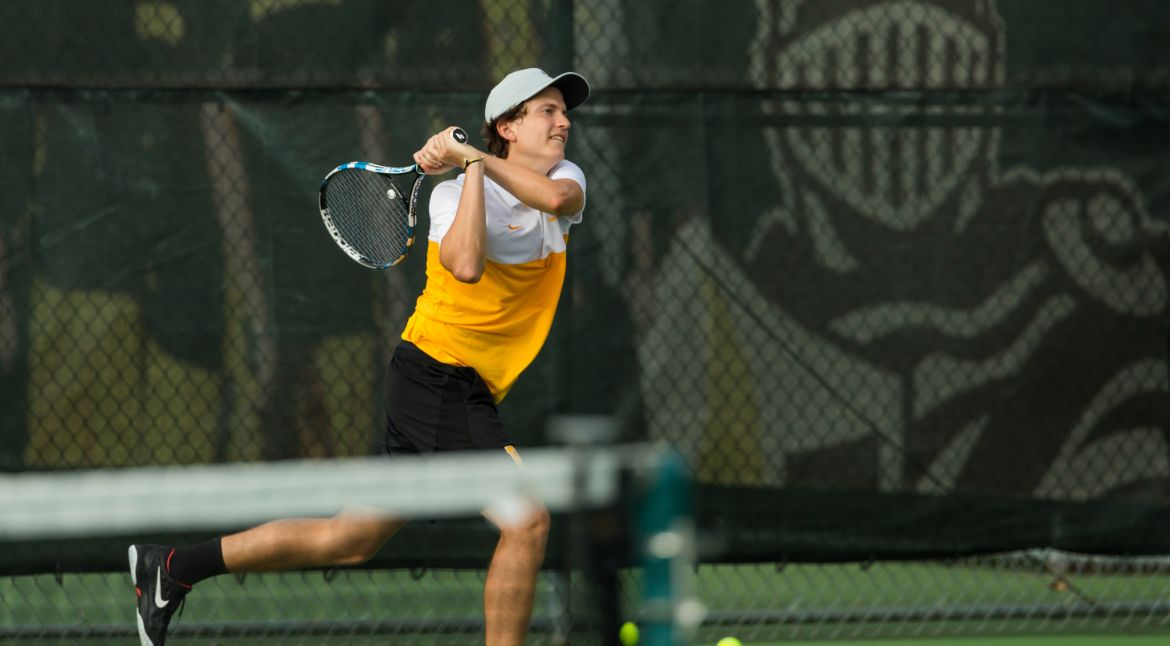 Men's Tennis Cruises to Two Victories in Waco
