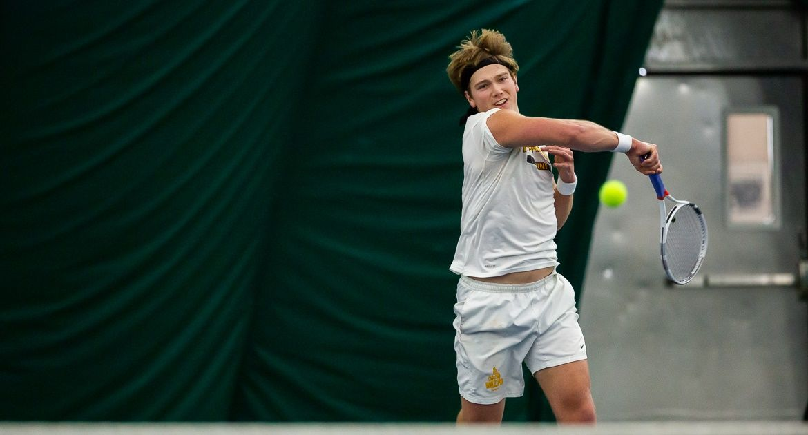 Western Michigan Nips Valpo in Men's Tennis