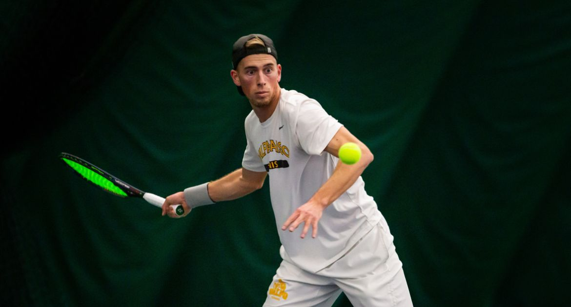 Men's Tennis Tops Cleveland in Dramatic Fashion