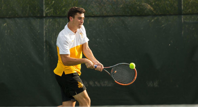 Lamar Edges Valpo in Men's Tennis