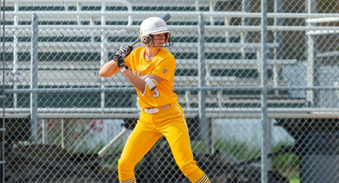 Softball Falls in Weekend Finale to Kansas City