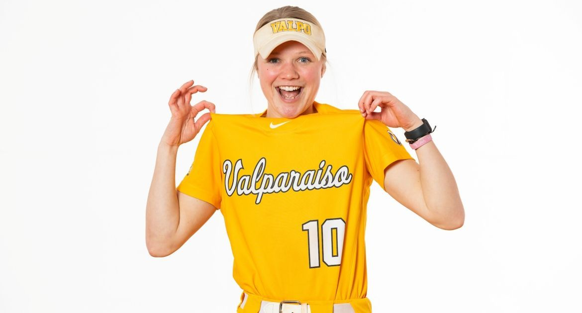 Softball Takes On Notre Dame, Evansville This Week