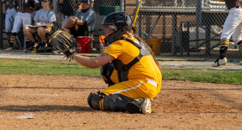 Tonoian Sets Program Record as Softball Falls to Loyola Wednesday