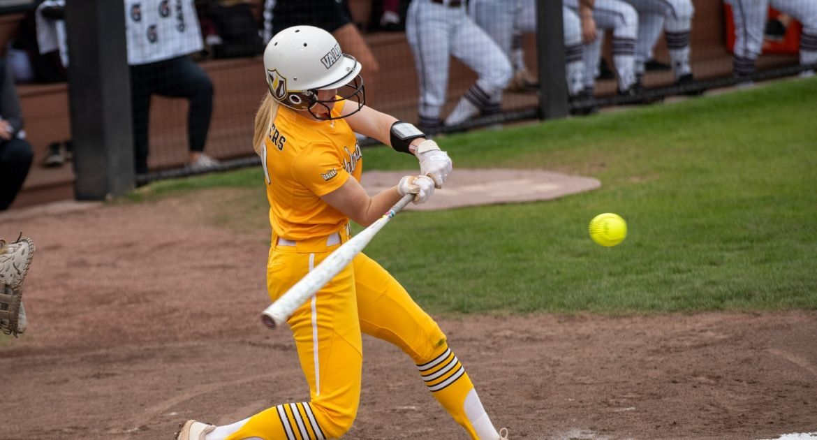 Softball Falls in Series Finale at SIU