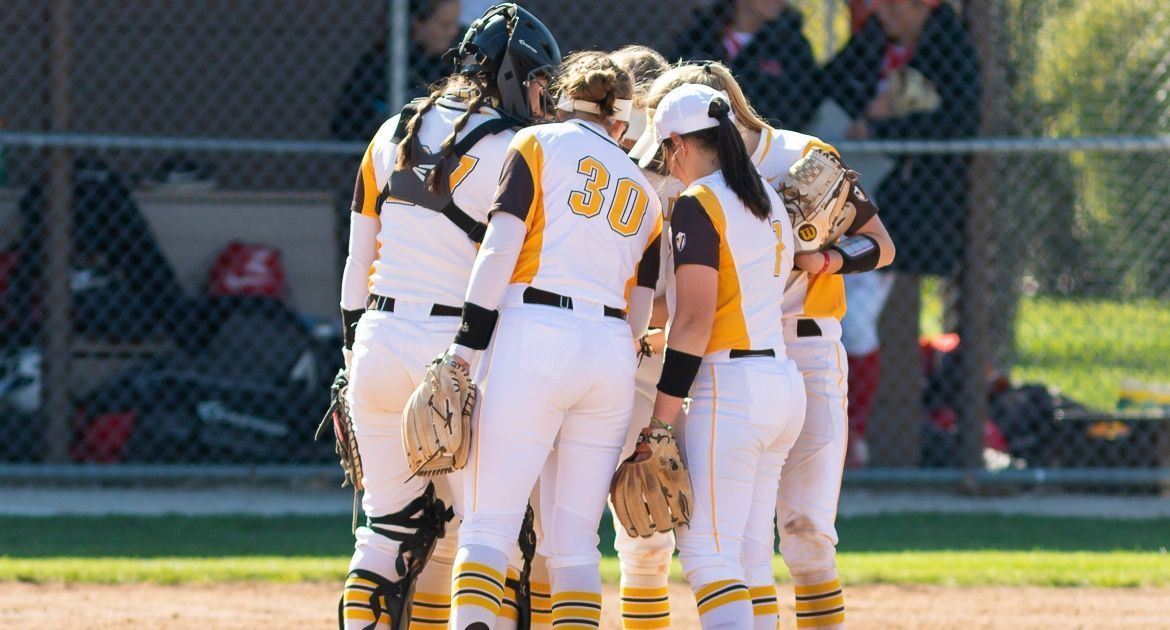Softball Drops Pair to Illinois State Friday