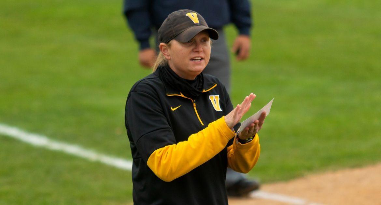 Kate Stake Resigns as Valpo Softball Head Coach