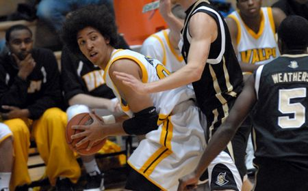 Valparaiso at Milwaukee Men's Basketball Game Notes