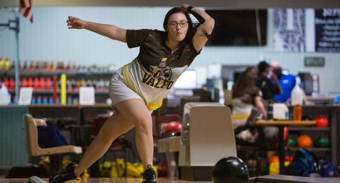 Bowling Closes Season-Opening Tournament in Fifth Place