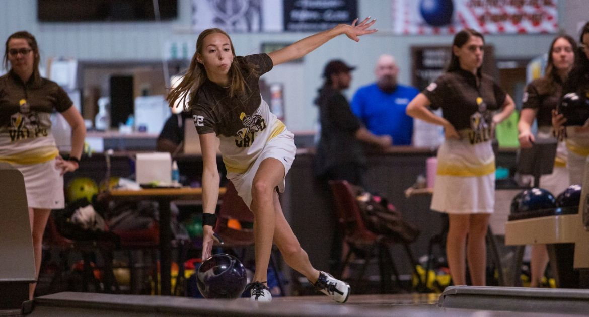 Big Games Propel Bowling to Three Wins on Saturday