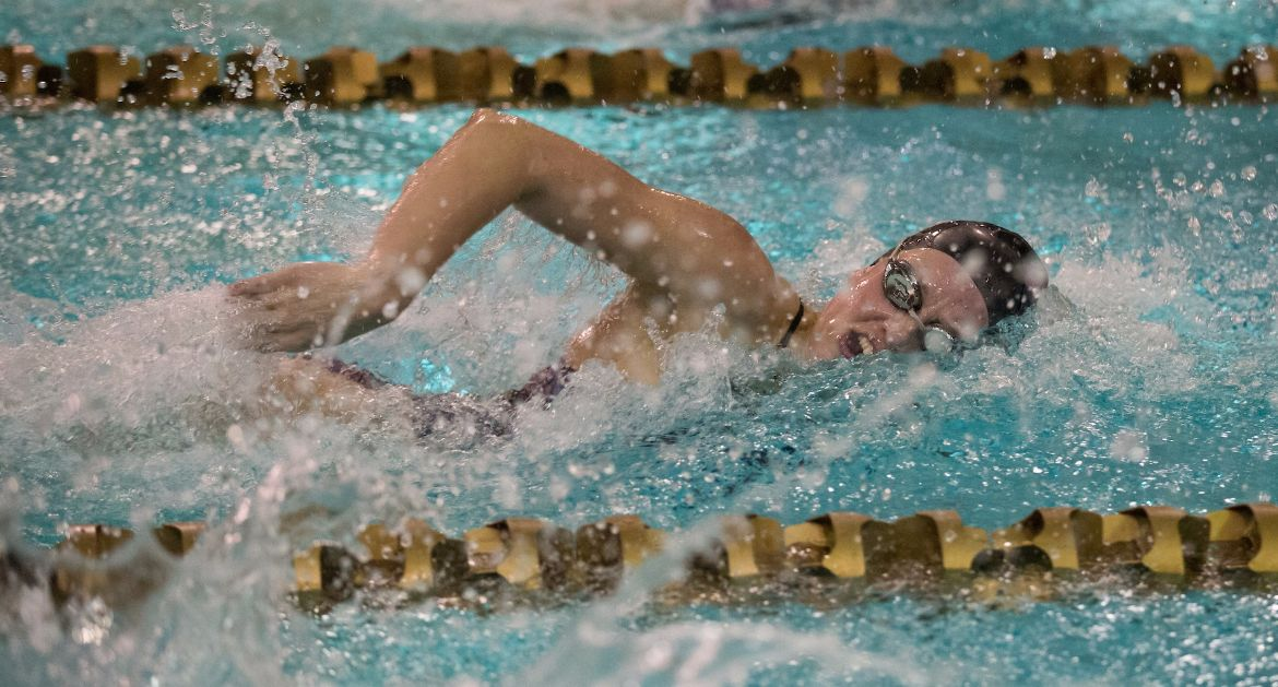 Valpo Swimming Battles Eastern Illinois in Second Home Meet