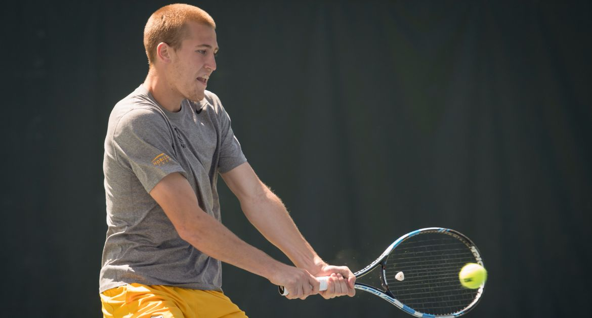 Men's Tennis Enjoys Perfect Doubles Play on First Day of Home Tournament