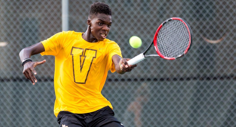 Valpo Men's Tennis Sweeps Singles on Saturday