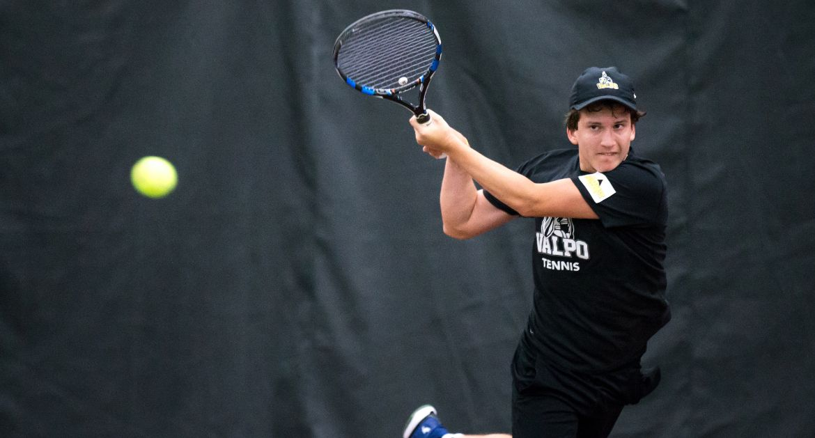 Men's Tennis Snags First Summit League Win on Saturday