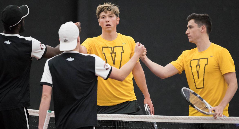 Men's Tennis Grabs Third Straight Win on Wednesday