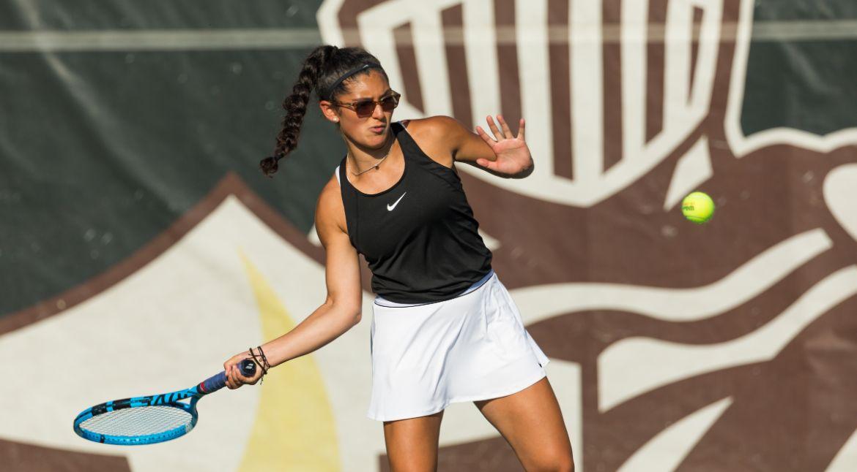 Women's Tennis Attains Three Wins Apiece in Singles, Doubles on Saturday
