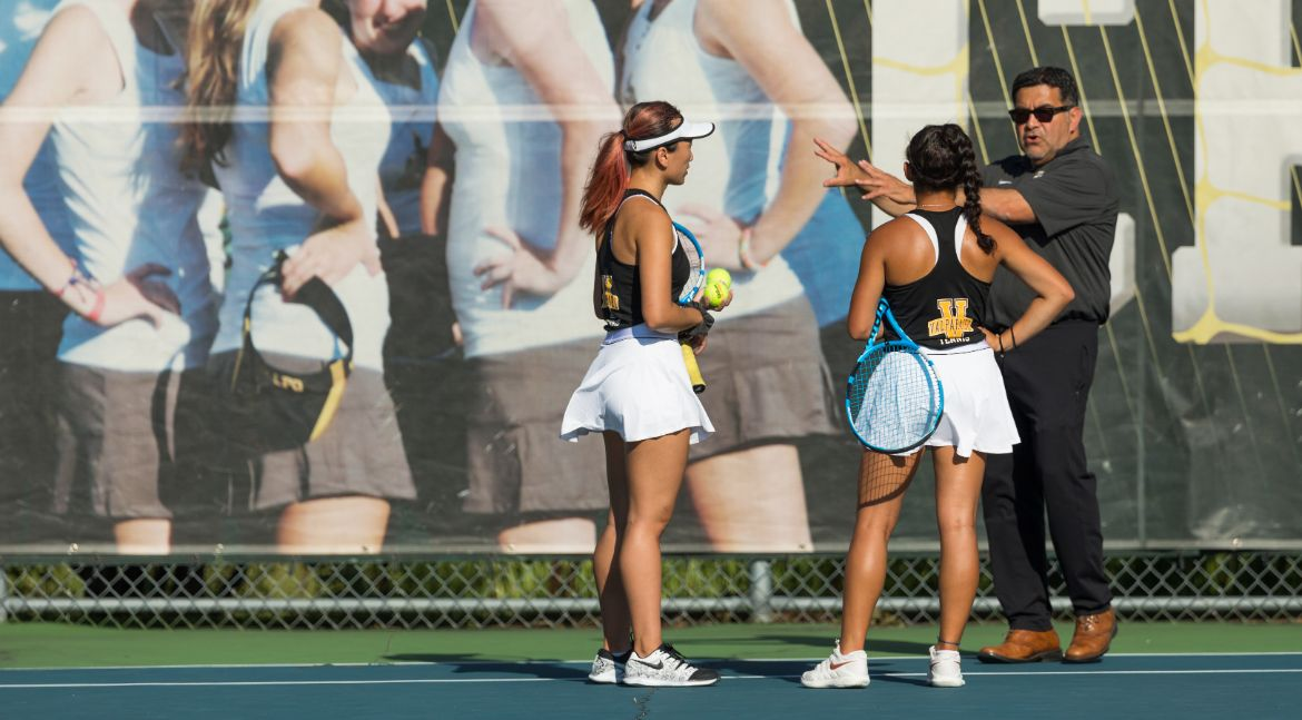 Women's Tennis Rolls to Victory Over Huntington