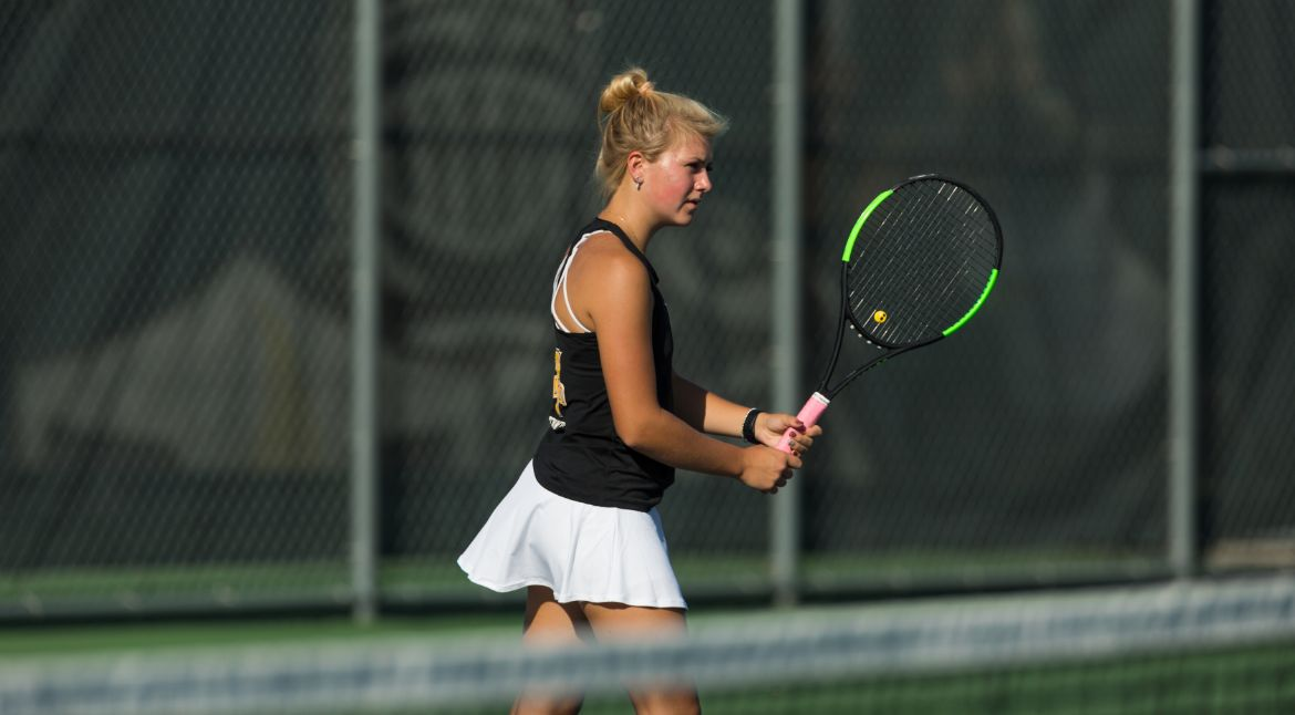 Valpo Doubles Teams Close MVC Individual Championship with Wins