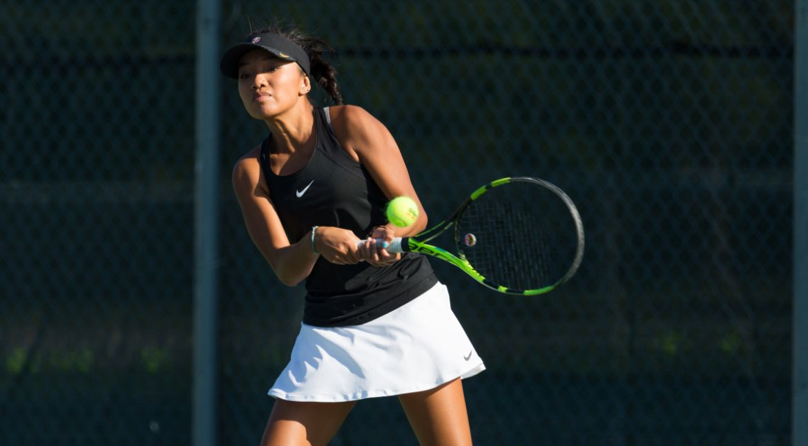 Tabanera Prevails for Women's Tennis at UIC