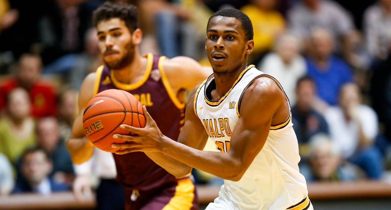 Men's Basketball Resumes Action Monday at Charlotte