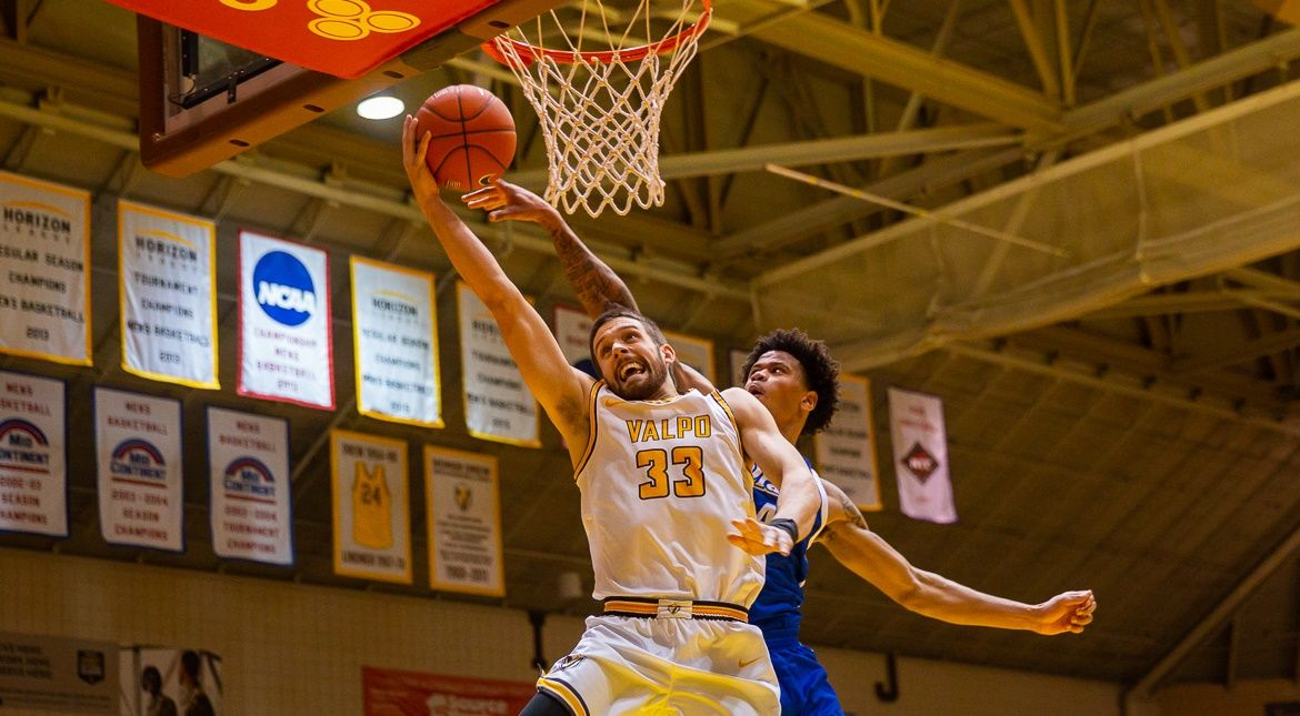 Men's Basketball to Face Road Challenge on Wednesday