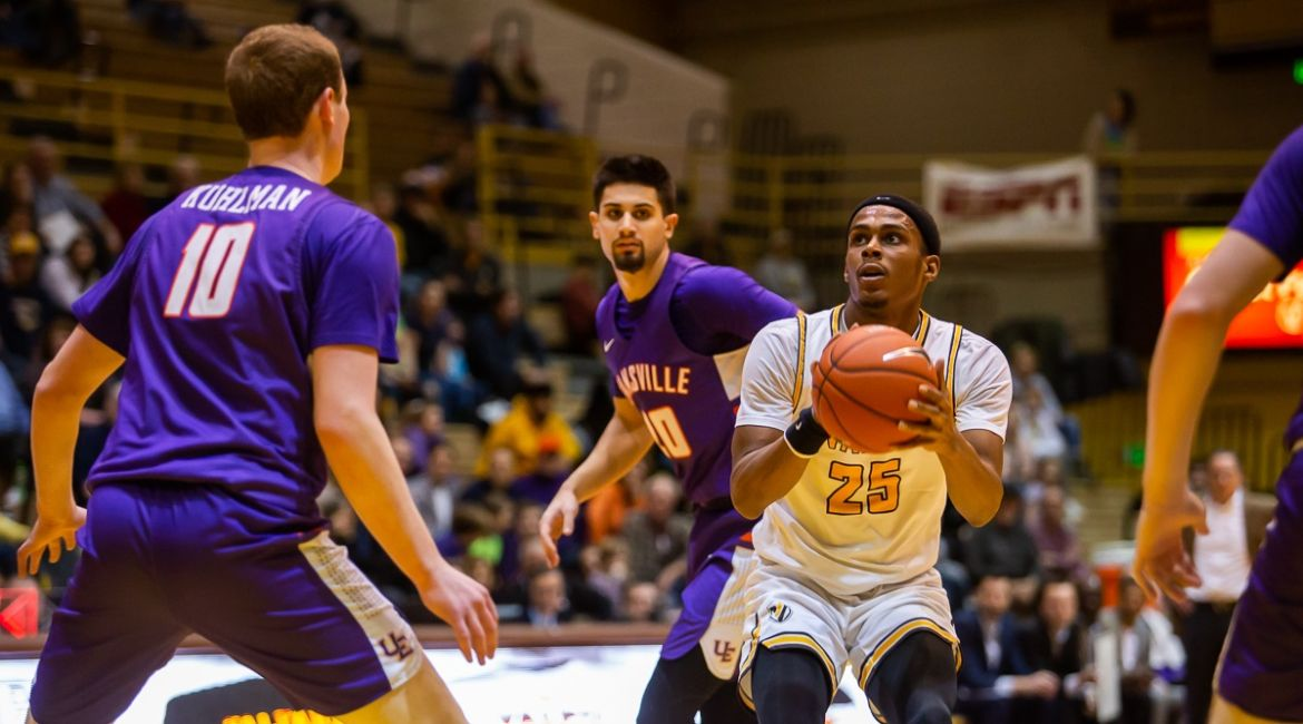 Men's Basketball to Visit Defending Champs on Wednesday