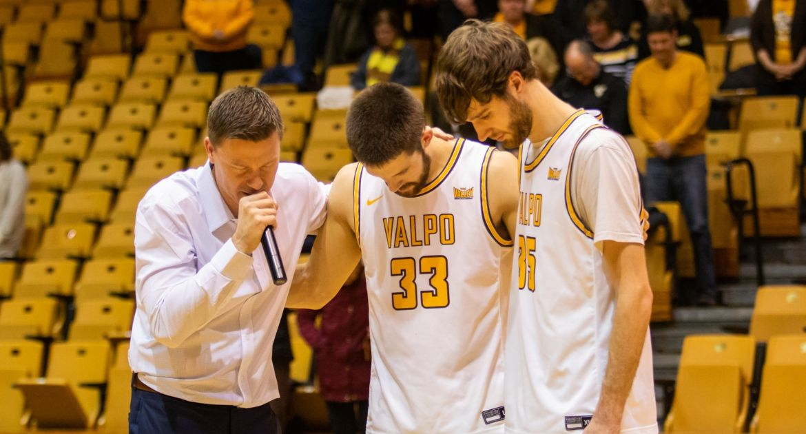 Rookies, Seniors Shine to Propel Valpo Past Missouri State